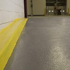 Sơn sàn epoxy chống trơn trượt cho ram dốc